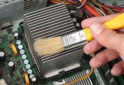 Очистка системного блока компьютера отпыли