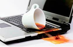 Залитая клавиатура ноутбука